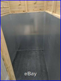 Metal dog kennel and run, 4 bay with ANTI DESTRUCTION BEDS