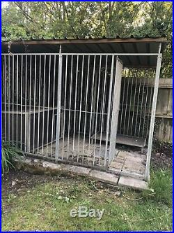 Outdoor Dog Run With Kennel And Table